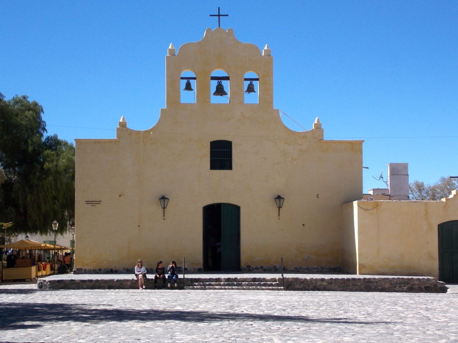 The size and Spanish architecture of the church in Cachi reminded me of the Alamo.