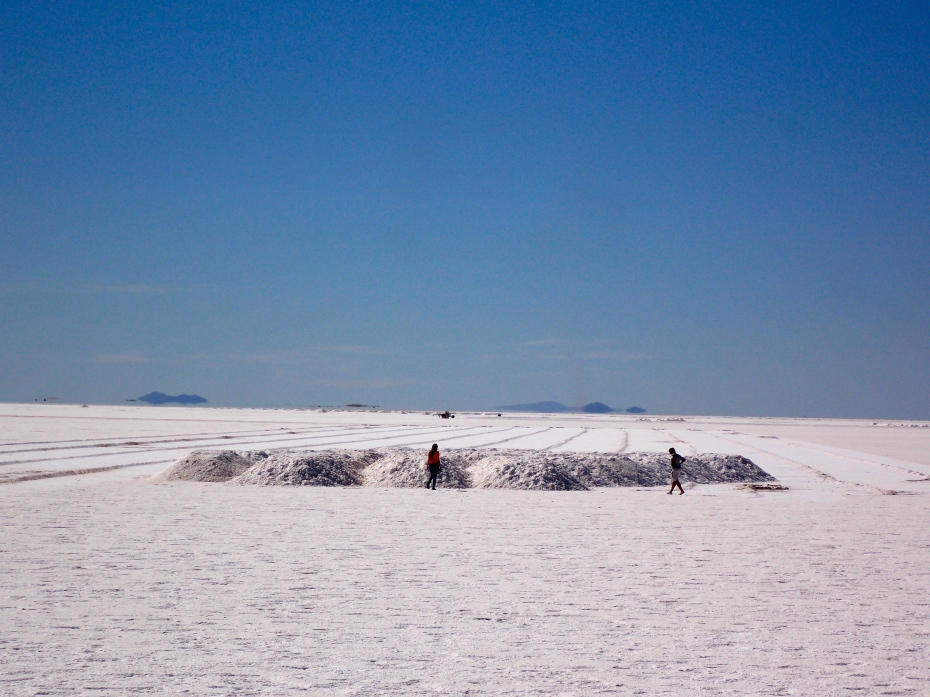 A salt pile ready for transport on Salinas Grande.